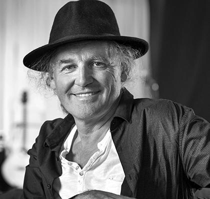 Liedermacher und Geschichtenerzähler Linard Bardill